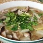 蜗牛肉片砂锅汤