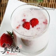 草莓薏仁酸奶