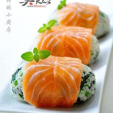 菠菜三文鱼饭团