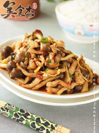 真姬菇炒肉丝的做法