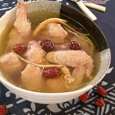 西洋参红枣煲鸡汤