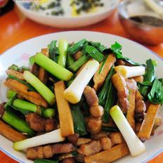 五花肉炒青蒜豆干
