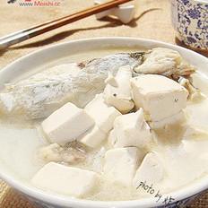 鱼鳔鱼头豆腐汤