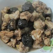 蘑菇炖鸡块