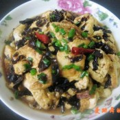 黑木耳炖豆腐