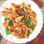 青红椒炒河虾