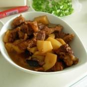 红焖牛肉土豆