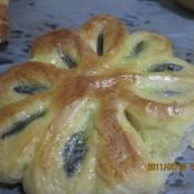 菊花黑芝麻馅面包