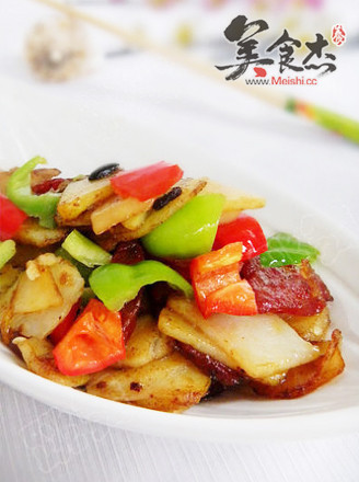 酱香腊肠土豆片