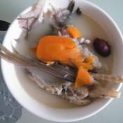 红萝卜鱼骨汤