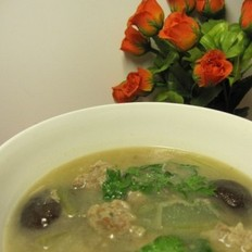 鲜肉丸子冬瓜香菇汤