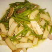 肉丝香干炒黄花菜