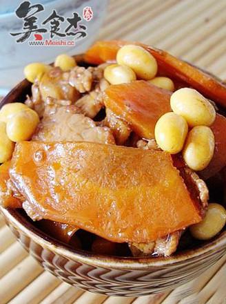 胡萝卜炒黄豆