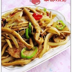 洋葱炒茶树菇