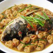 油豆腐烧鲢鱼头