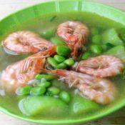 基尾虾丝瓜毛豆汤
