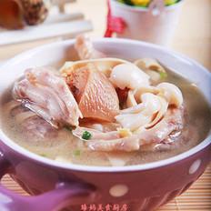 鸭掌菌菇千张汤