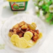苹果葡萄鸡丁炸酱面片
