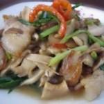 五花肉炒鲜菇