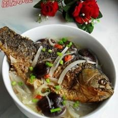 香菇萝卜鲫鱼汤
