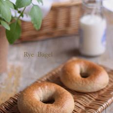 黑麦贝果面包