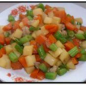 胡萝卜土豆炖芸豆