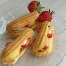 草莓奶油夹心泡芙