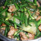 韭菜花黄瓜炒肉