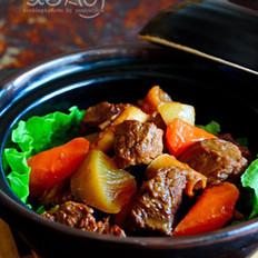 青红萝卜焖牛肉