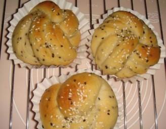 黑白芝麻面包的做法