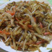 豆芽肉丝炒饼