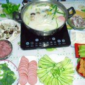 豆汁三鲜豆花火锅