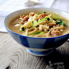金针菇肥牛汤