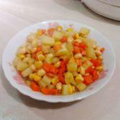 鲜玉米炒土豆胡萝卜丁