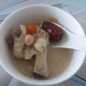 花生莲子猪手汤