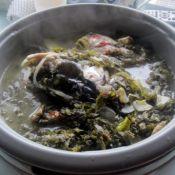 酸菜炖胖头鱼