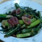 腊肉炒红菜薹