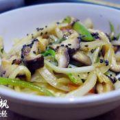 蚝油香菇炒洋葱