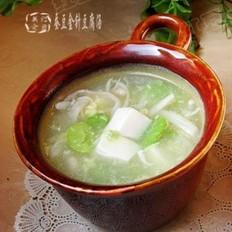 蚕豆金针豆腐汤