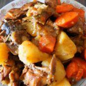 红烧鸡块炖土豆