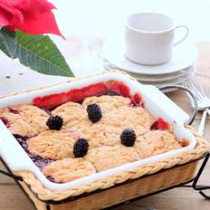 脆皮黑莓馅饼