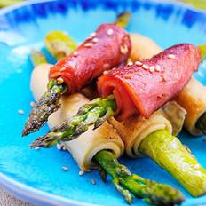 鲜香芦笋卷的做法