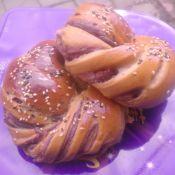 红糖豆沙扭结面包
