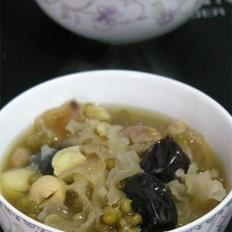 银耳莲子红枣绿豆粥