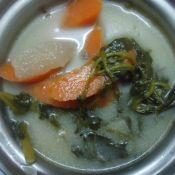 鲫鱼西洋菜胡萝卜雪梨汤