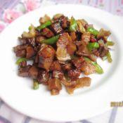 萝卜干炒猪油渣