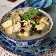 雪菜豆腐炖鱼头