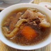 松茸菌骨头汤