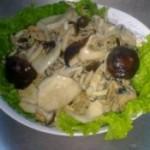 肉末烩群菇