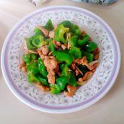 柿子椒炒鸡腿肉